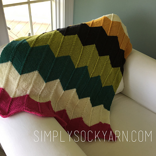 87449e51c This recipe for a simple chevron baby blanket uses light worsted