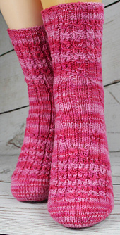 Mockcablesocks_hightea_05_small_best_fit