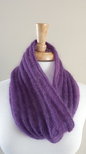 Hint_of_spring_cowl_small_best_fit