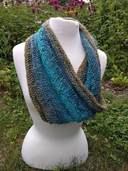 Sweet_pea_cowl_small