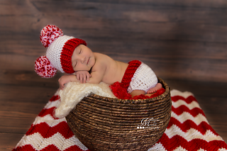 ee322d5616c Ravelry  Baby Pom-Pom Hat and Diaper Cover pattern by Amanda Kuhn