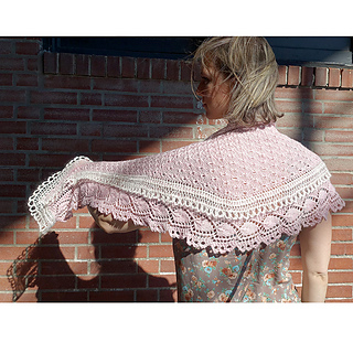 Royal_flounce_shawl_the_crafty_jackalope_2_sized_small2