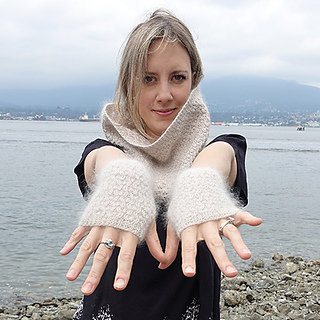 Honey_stone_cowl_fingerless_gloves_the_crafty_jackalope_10_sized_small2