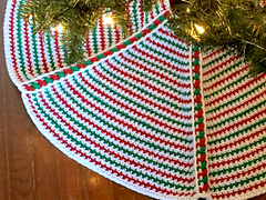 Tree_skirt_lights_contrast_small