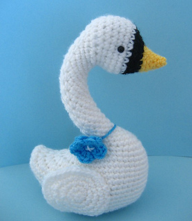 Swan_3_small2