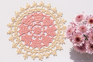 Crown-of-hearts-doilies-4_small2