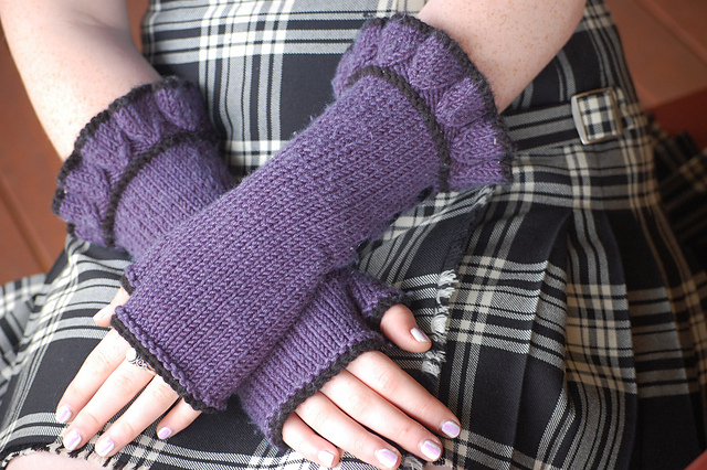 Belle Ruffle Gloves