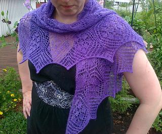2011_07_23_etherial_triangular_shawl_manos_lace_olalla_edesta_www_small2