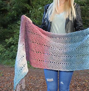 Omna Shawl pattern by Carmen Heffernan