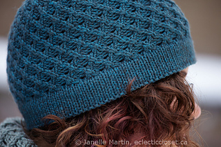 Fosetta_hat_close_up_med_watermarked_small2