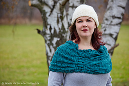 Knitting-nov30-2014_mg_9833_scaled_watermarked_small_best_fit