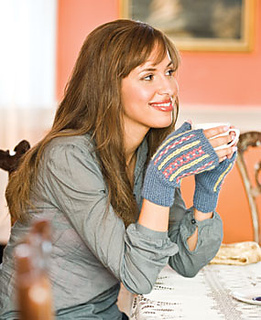 Alpine-embroidered-mitts_small2