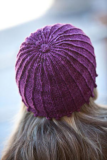 Spoked_hat_top_interweave_small2