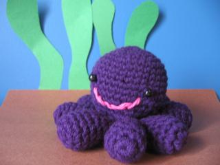 Inky-octopus-crochet-pattern_small2