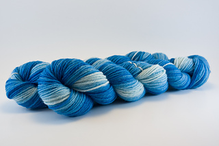 Peacock_blue_skein_small2