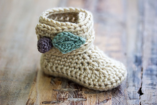 2f8f8709f89 Ravelry  Baby Girl Berry Booties pattern by Hand Heart and Sole