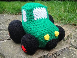 Crochet_tractor__7__small2