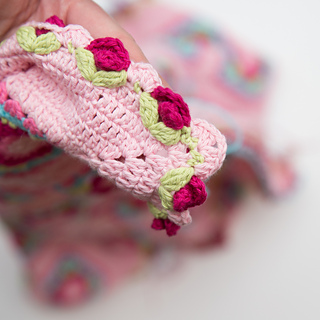 Lydia_beautiful_crochet_photo_small2