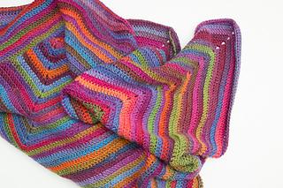 Joy_s_journey_continuous_crochet_square_blanket-4_small2