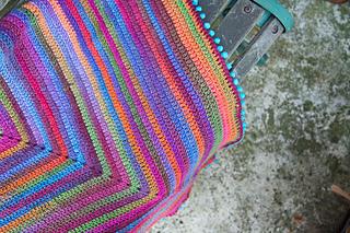 Joy_s_journey_continuous_crochet_square_blanket-3_small2