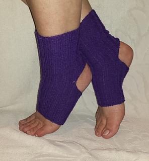 cbcf8bbb178b8 patterns   Sandra Prikule s Ravelry Store.   Cable Knit Yoga Socks ...