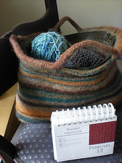 Bk_big_handles_and_zipper_felted_bag_with_calendar_small2