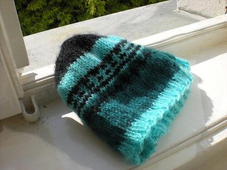 Teal_stripe_hat_small2