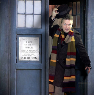 Matt_in_tardis_small2
