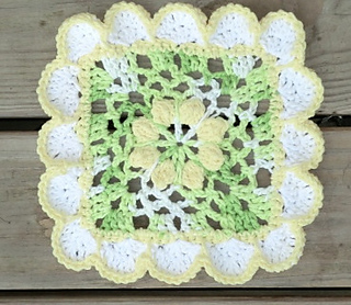 Pretty_scallops_dishcloth_small2