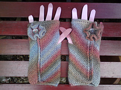 Eel_pie_guinevere_mittens_024_small