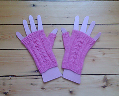 Cabled_mitts_001_small