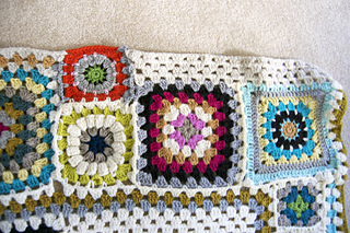 Grannysquareafghandetail2_small2