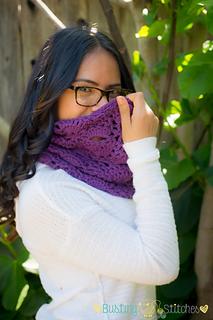 Purple_lace_cowl2_small2