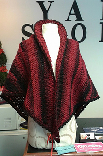 Red_and_black_shawl_front_small2