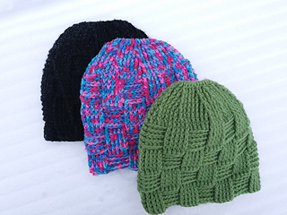 56843e16560 Ravelry  Basket Weave Ponytail Beanie pattern by Caitlin s Contagious  Creations