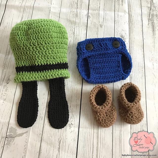 Ravelry Goofy Newborn Outfit Pattern By Carolynne Tovenar