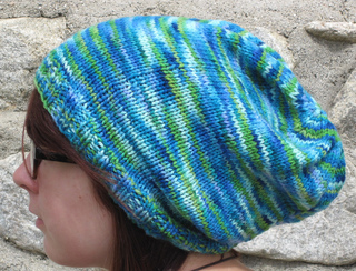 Easy_slouchy_hat_side_small2