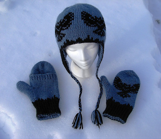 Owl_mitts_and_hat_012_small2