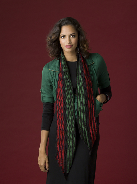 kwanzaa-theme crochet scarf in red, black, and green