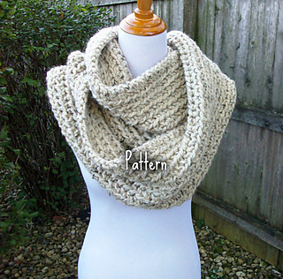 885fabf4b0 Ravelry  Chunky Ribbed Infinity Scarf pattern by Peg Barrows