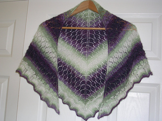 Patons_lace_shawl_3_small2
