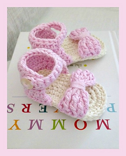 Ravelry  Bow Front Crochet Baby Sandals pattern by Rhianna Lynn
