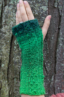 Chain-two-green-glove-6_small2