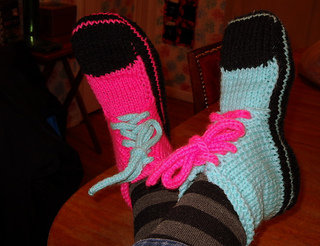 Ravelry: Converse Slippers pattern by Nelvin Chase