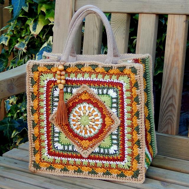 Ravelry: The Jackfield Tile Tote Bag pattern by Christine Bateman