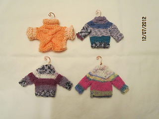 Sweater_ornaments_small2
