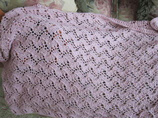 Traveling_vine_lace_blanket_004_small2