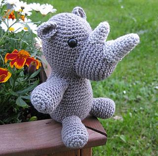 Rhino006_small2