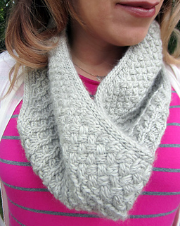 Donovan_cowl_detail_small2