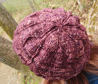 Oakenshield_beret_on_e_top_tree_small2